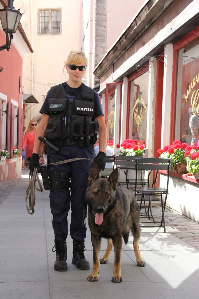 Rotary klubi autasustab noori politseiametnikke