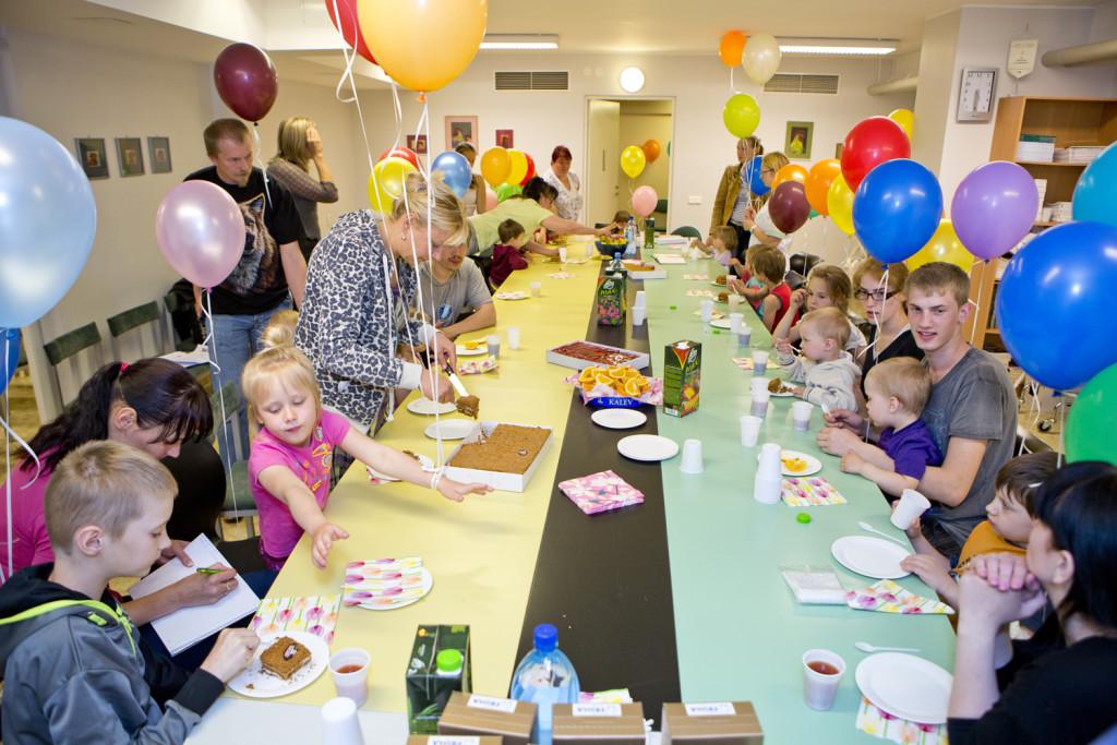 Heategevusfondid viivad teatrietendused Eestimaa haiglatesse