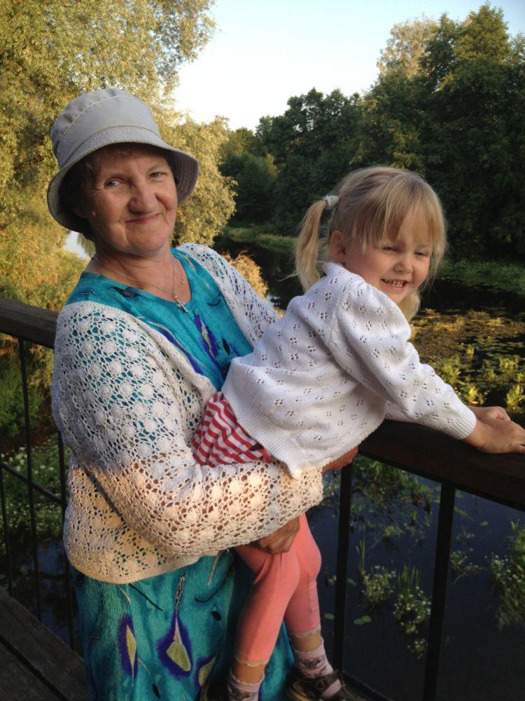 """""""Kodutunne"""" aitab vanaema, kes kasvatab  oma 3-aastast lapselast!"""