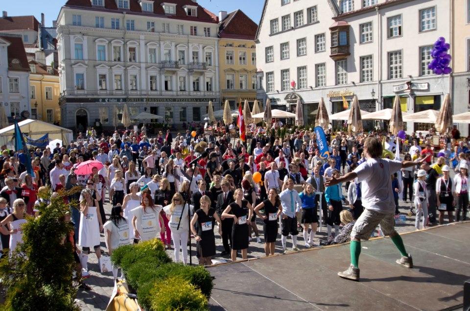 Rat Race kinkis suurperede lastele toetuseks 11 471 eurot