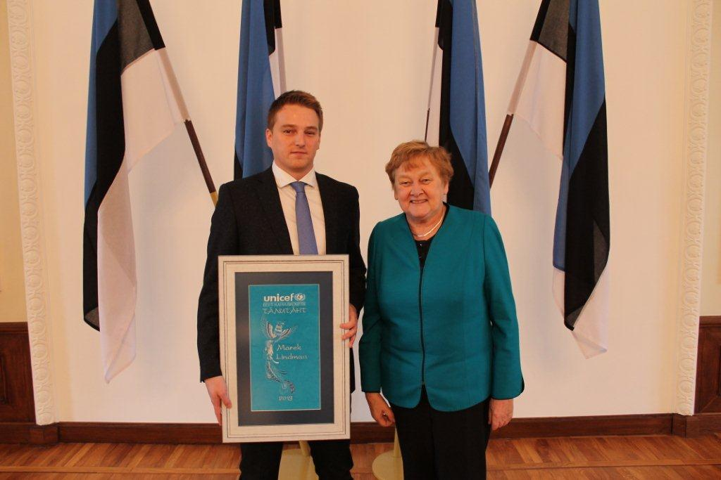 Marek Lindmaa pälvis heaujumise eest UNICEFi Sinilinnu preemia!