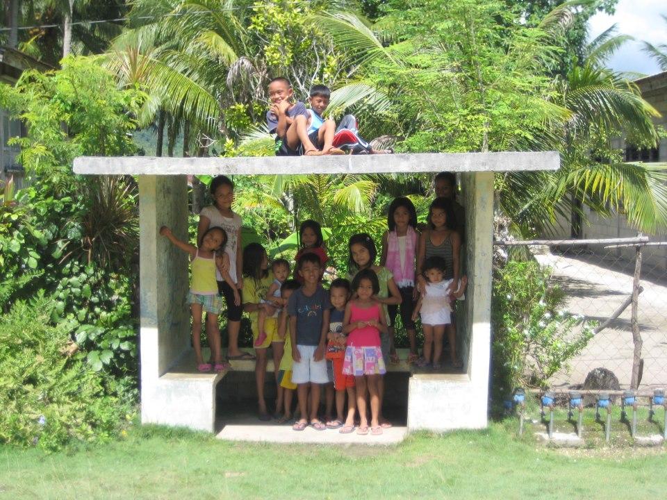 VIDEO_Eestlased viivad päikesevalguse 1500 Filipiini kodusse