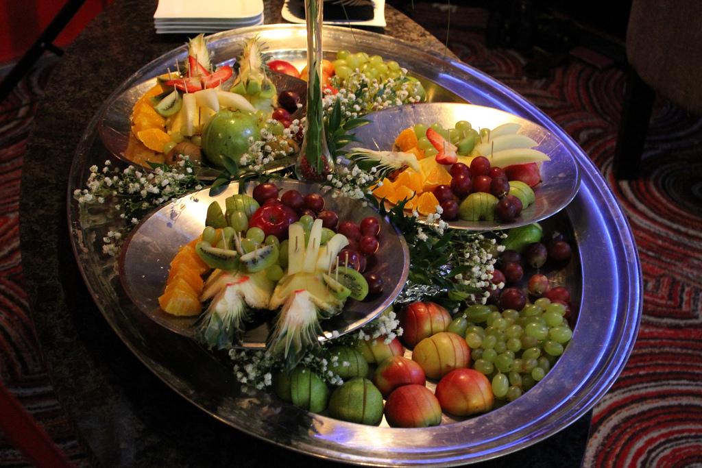 Heategevuslikul õhtusöögil Burns Supper hüüab torupill ja keerlevad kildid