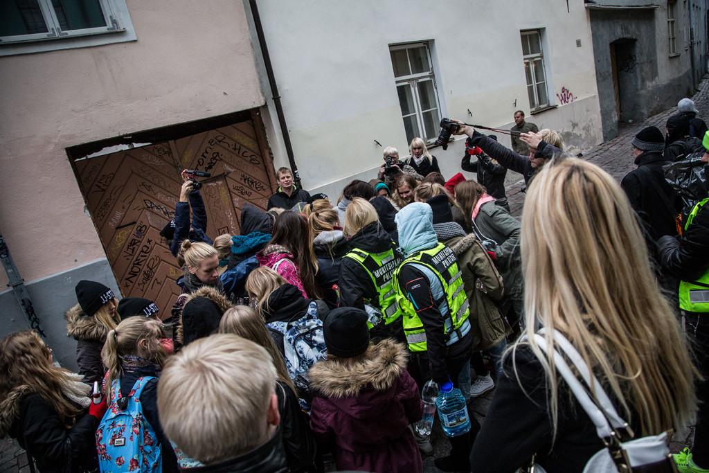 GALERII! Noored puhastasid Tallinna vanalinnas seinu