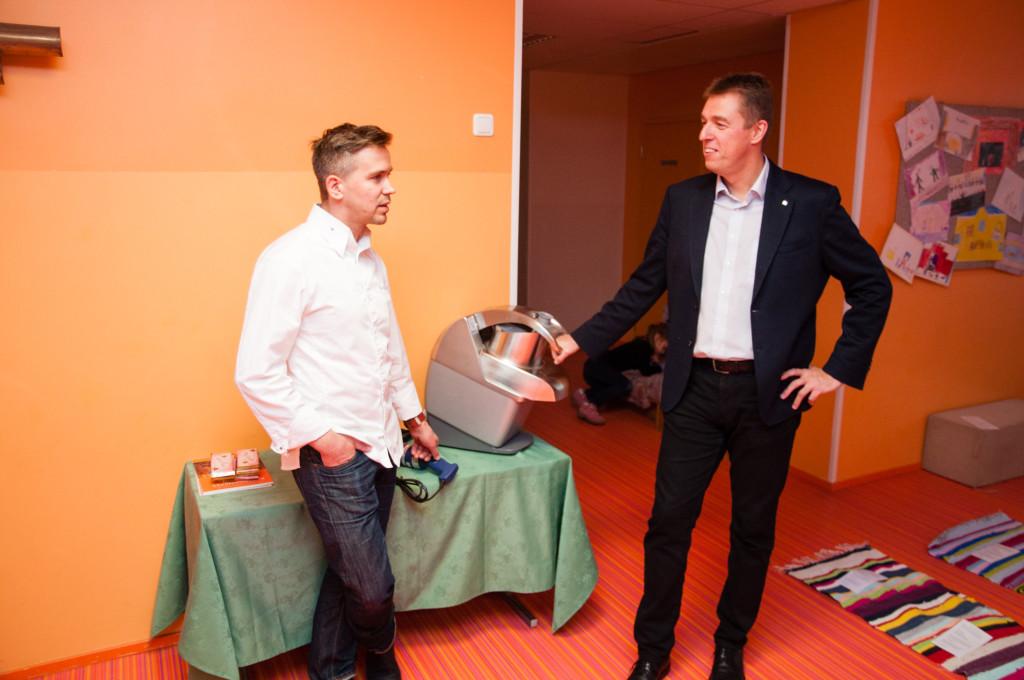 GALERII! Valjala põhikooli sai Chefs Cup raames köögitehnikat