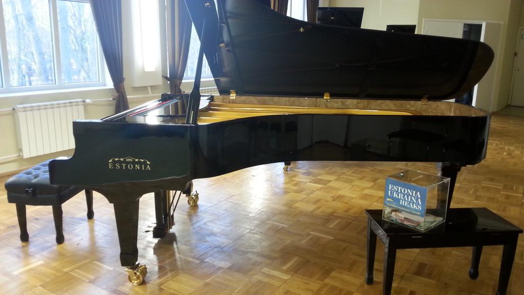 Rahvusooper kogus Slovjanski laste klaveri heaks 34 467 eurot