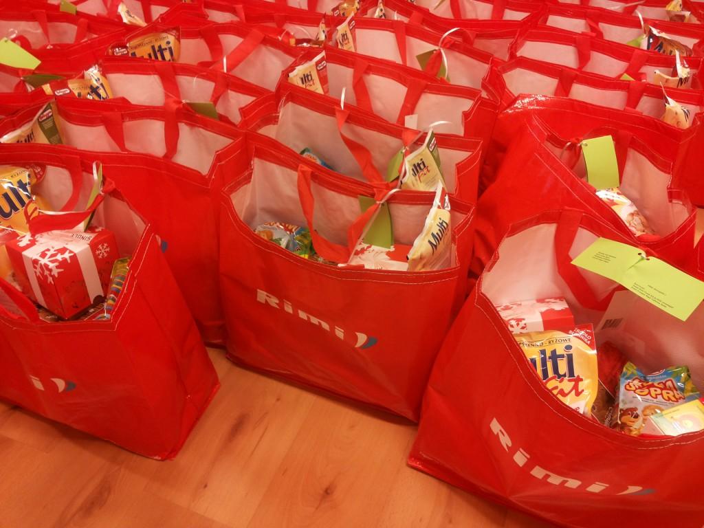 Tallinna RIMI kauplustes läbiviidud korjandusega aidatakse katta jõululauad