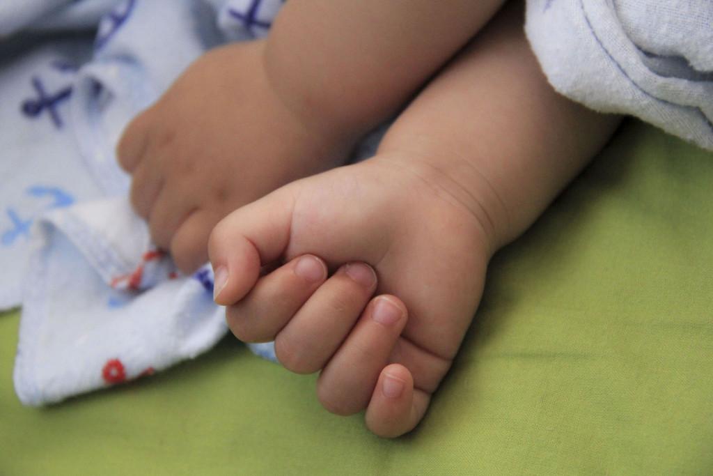 Lastefond aitas saada liitpuudega pisitüdrukule hädavajaliku imiseadme