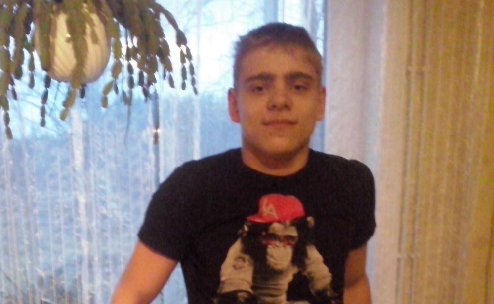 LASTEFOND TOETAB! Liikumispuudega noormehele tehakse uudne operatsioon Saksamaal