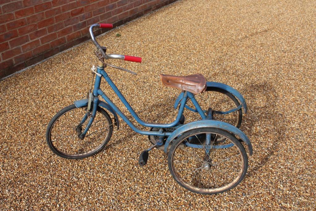 Väikesed tallinlased saavad kingituseks jalgrattad