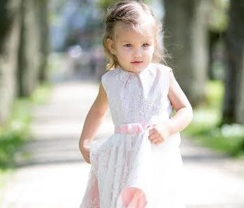 HEADE INIMESTE TOEL! Lastefond aitab pisitüdrukul lahendada Saksamaal haruldast haigust