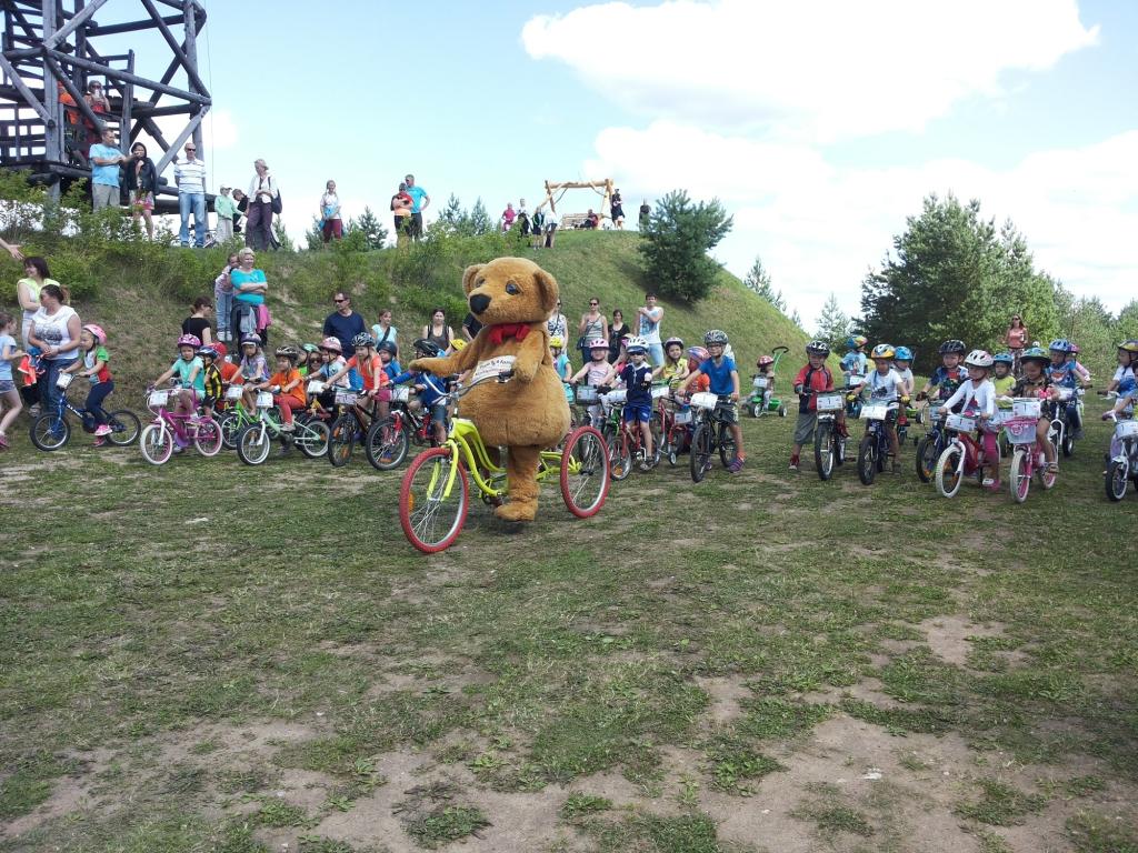 HEAD TEOD MUUDAVAD ELUSID! Jalgrattaklubi Peloton andis Lähte rattamaratonil Lastefondile üle suurannetuse