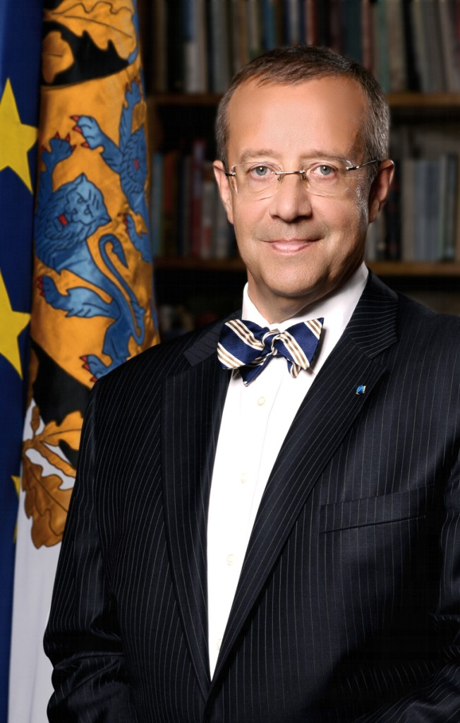 Toomas-Hendrik-Ilves_ametlik_portree_Vabariigi-Presidendi-Kantselei.jpg