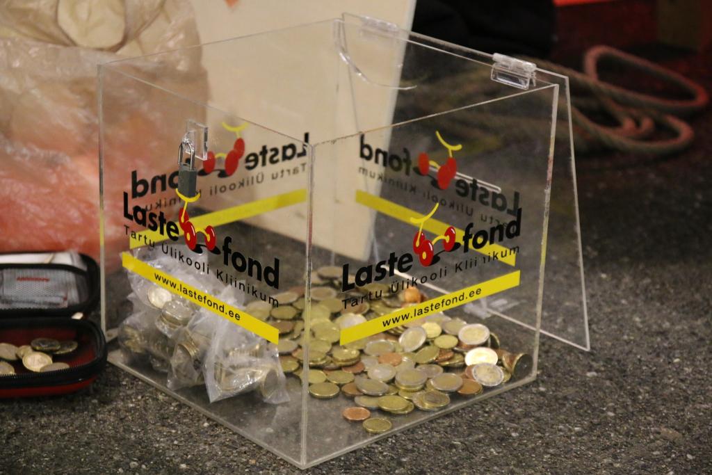 1000 EUROT! Teatrikülalised annetasid Lastefondile veerandtunniga ligi 1000 eurot