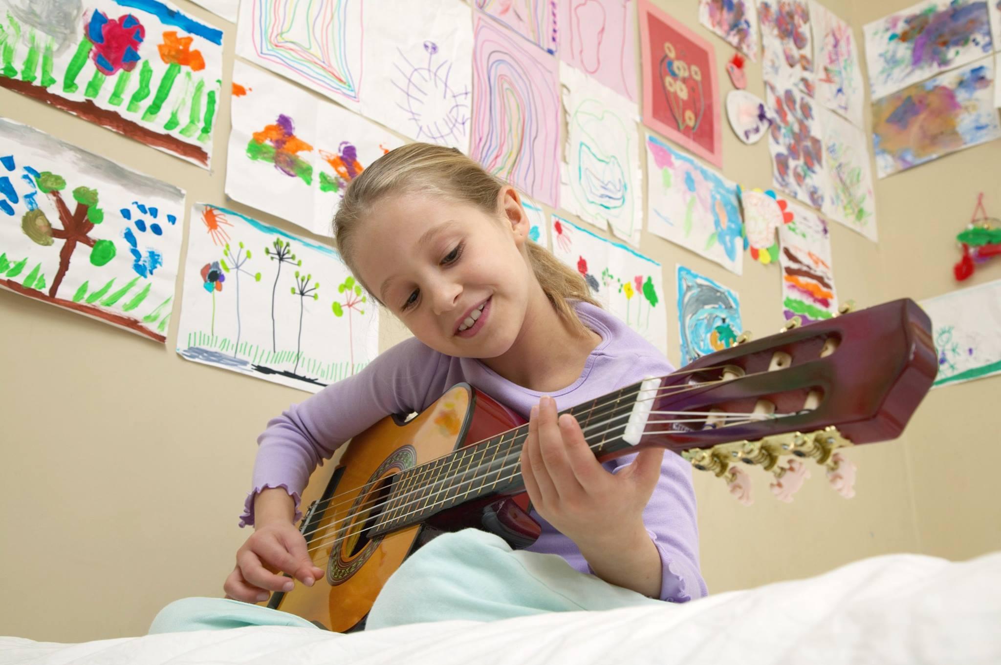 Hobid arendavad ja aitavad lapses kuhjunud pingetel ning emotsioonidel välja tulla.