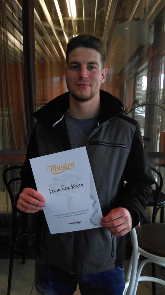 Eesti parim taipoksija Edvin Kibus annetas Lastefondile üle 500 euro