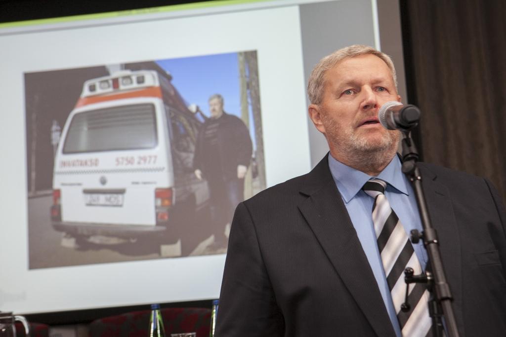 PEALINN SIRUTAS ABIKÄE! Tallinna aitab Antsul aidata