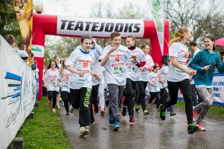 Lapsed eelmise aasta Teatejooksul Tallinnas Foto: Hendrik Osula