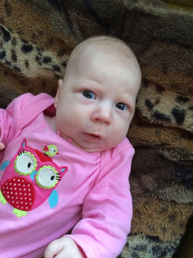 AITA SINAGI! Ajukahjustusega beebi vajab annetusi toidusegude soetamiseks
