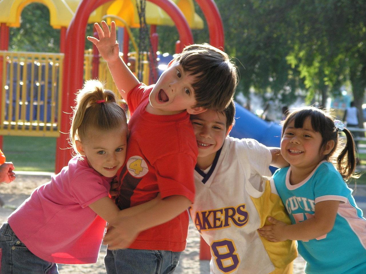 LAPSED KOOLI! Eesti Lasterikaste Perede Liit kogub taas lasterikaste perede lastele koolitarbeid