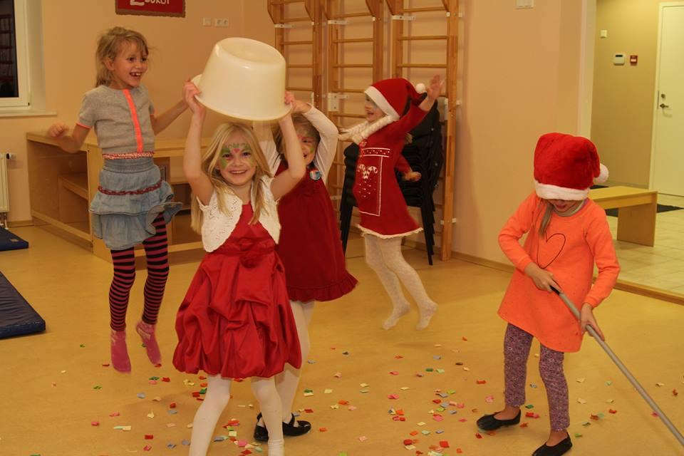 Jõululaada heategevuslik oksjon aitab Kääpa lasteaialastele parema õueala rajada