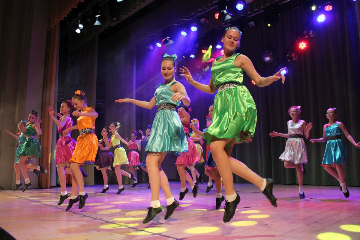 Sillamäe huvikool kogus heategevuskontserdiga Lastefondile ligi 900 eurot