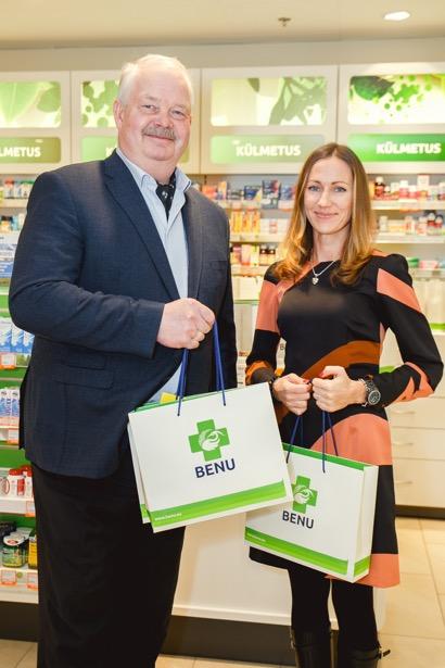 Dharma juhatuse esimees ja EOK asepresident Jüri Tamm ning BENU apteekide jaemüügijuht Kaidi Kelt Foto: Andrei Ozdoba