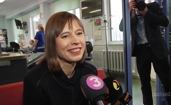 Eesti president käis verd loovutamas