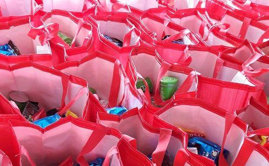 Kampaania raames jagati Tallinna puudustkannatavatele peredele 200 toidupakki