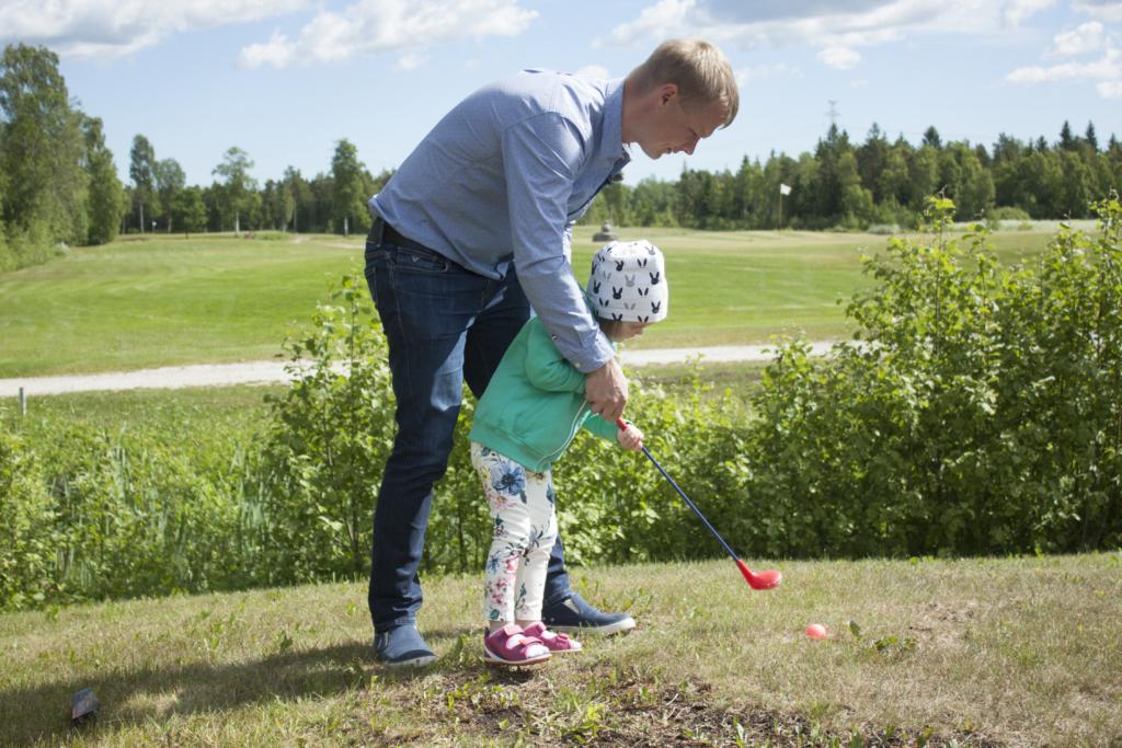Heategevuslik golfivõistlus! Neli ettevõtet panid vähihaigete laste heaks seljad kokku