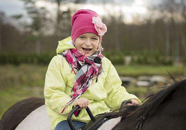 Lastefond võimaldab tänu heade inimeste annetustele liitpuudega Hanna-Britale erinevaid teraapiaid