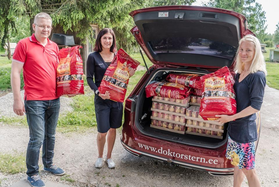 KODUTUTE LOOMADE HEAKS! Võidukas epeevehklejanna Julia Beljajeva aitas Tartu varjupaiga loomadele toitu koguda