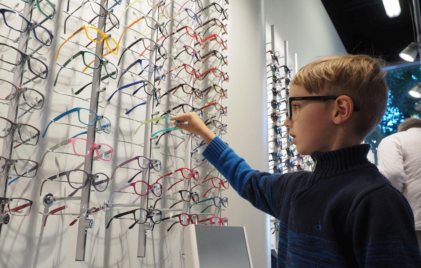 VIDEO! HEA TEGU! Pere Optika aitab suurperede lastel silmanägemist teravdada