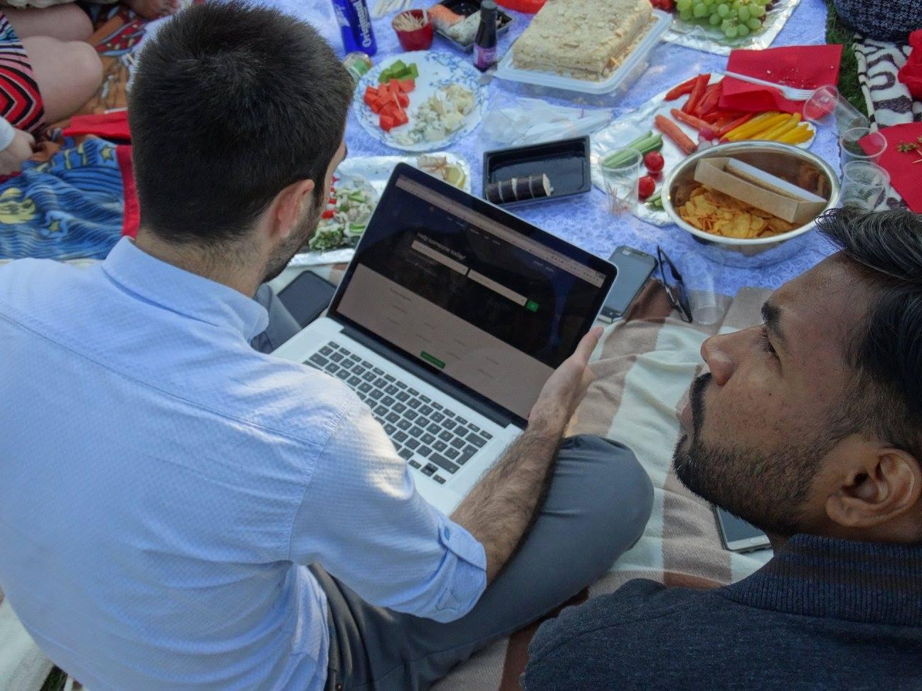 VIDEO! Et inimesed toetaksid üksteist rohkem! Helpific viib abivajaja ja abistaja kokku viiva platvormi Rumeeniasse ja Horvaatiasse