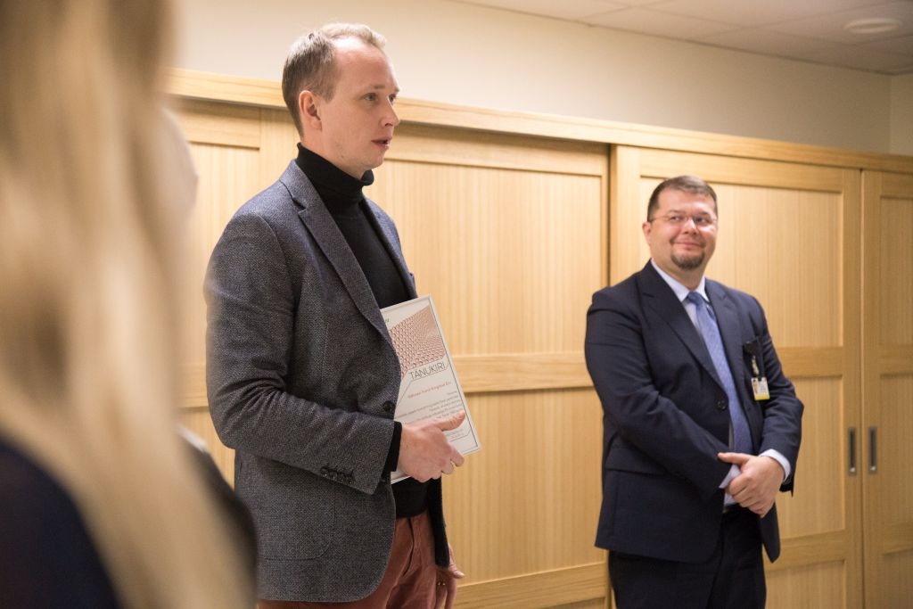 """FOTOD! Eesti Õdede Liit andis täna vähiravifondile """"Kingitud elu"""" üle 1500 euro suuruse annetuse"""