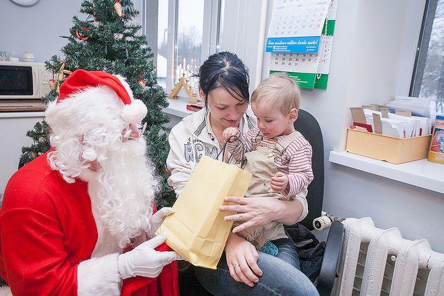 Kingi jõulurõõmu haiglates ja asenduskodudes viibivatele lastele