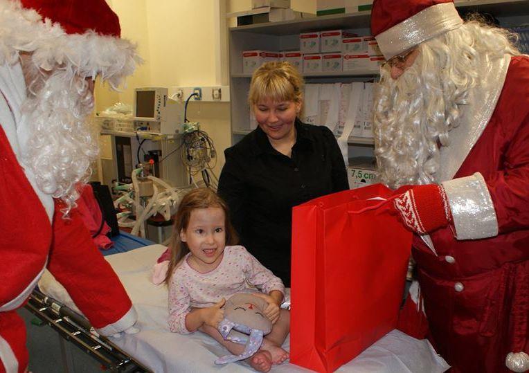 """HEATEGEVUSPROJEKT """"JÕULUD HAIGLASSE""""! Jõulurõõm jõuab heade toetajate abil ka haiglatesse"""