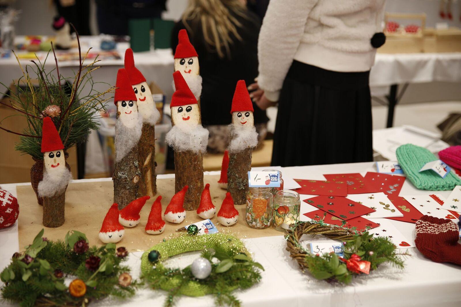 VIDEO! TOPELTKINK! Lastekodulapsed müüvad laupäeval isevalmistatud jõulukingitusi