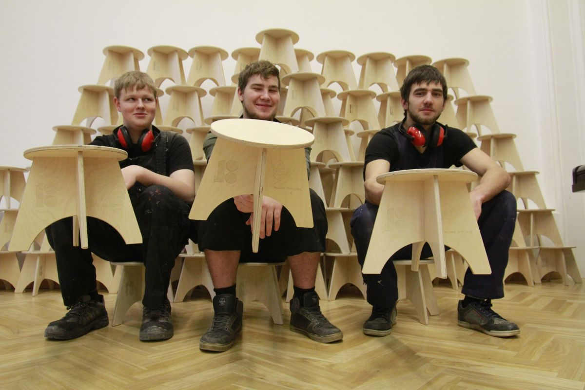 Noored meisterdasid SOS Lasteküla jaoks 100 disaintooli