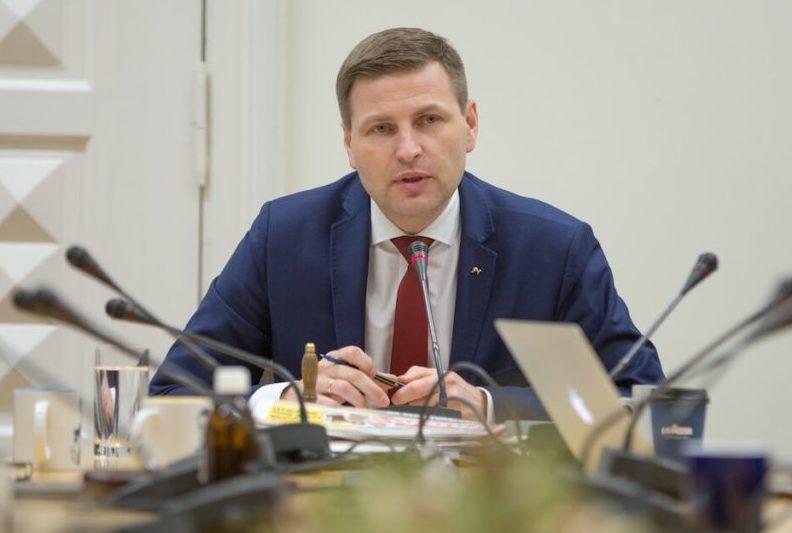 """Reformierakond ja EKRE annavad vähiravifondile """"poliitilise katuserahana"""" 90 000 eurot"""