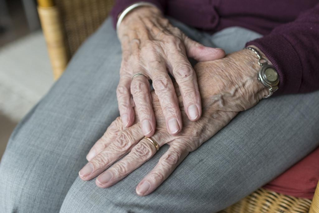 ILUS TEGU! Koolinoored annavad üksinda elavatele eakatele inimestele üle abipakid