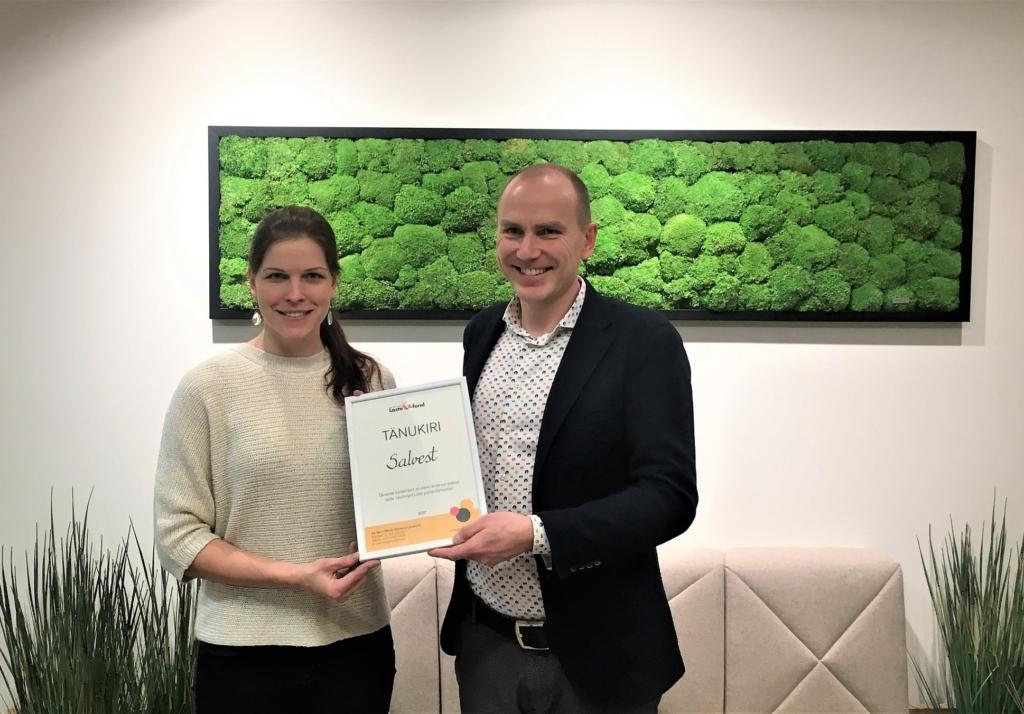 Salvest annetas Lastefondile 24 000 eurot laste ravitoidusegude ostmiseks
