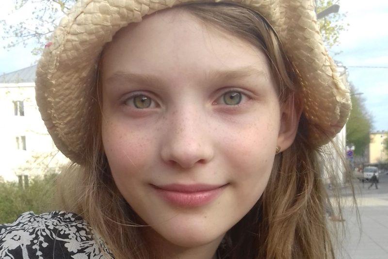Lastefond aitab katta Adele vajaliku täiendava füsioteraapia kulud