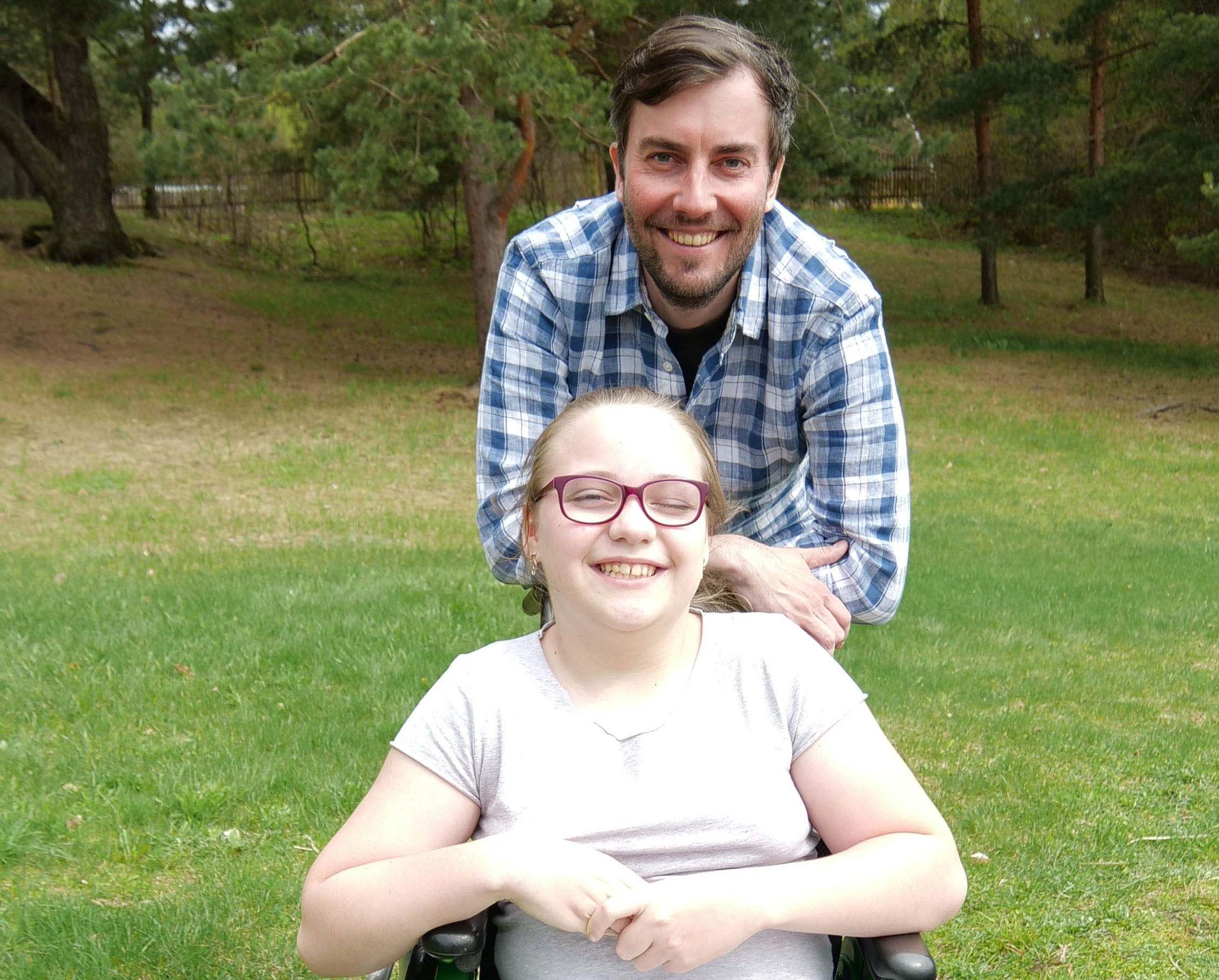 Teeme head! 11-aastane Kelly unistab iseseisvast kõndimisest