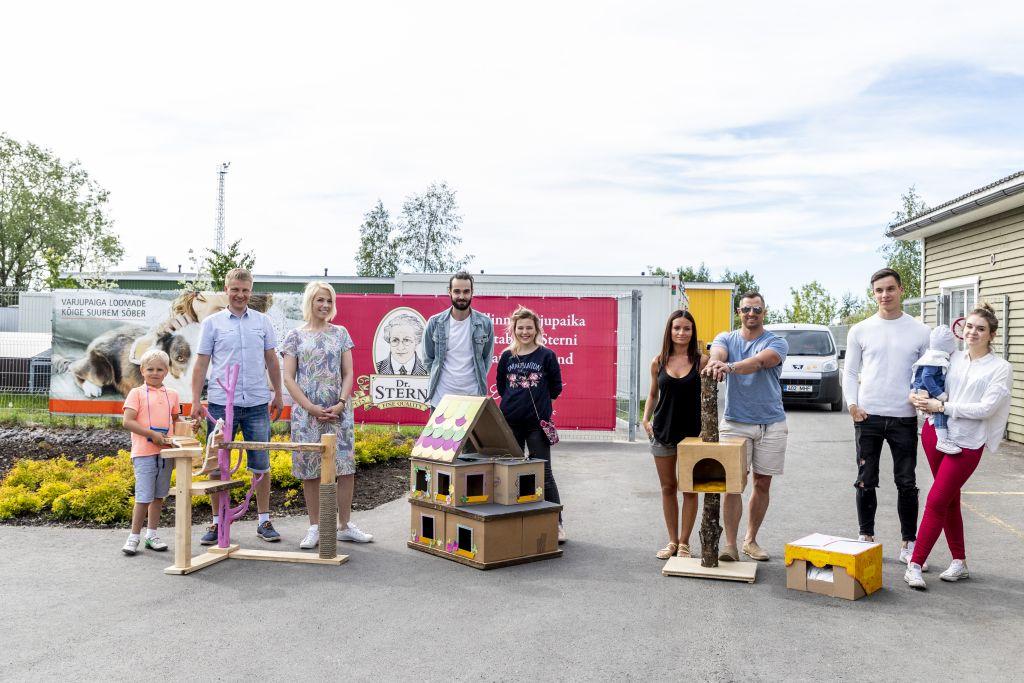 """GALERII! """"Naabrist parem"""" osalejad üllatasid Tallinna loomade varjupaika"""