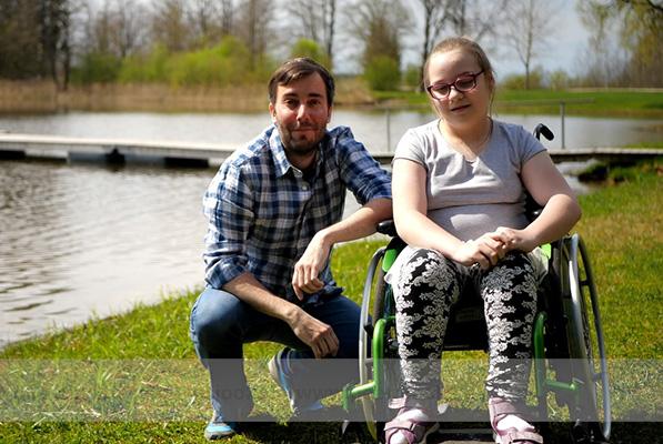 PALUN AITA! Aita täita 11-aastase Kelly unistus hakata iseseisvalt kõndima!