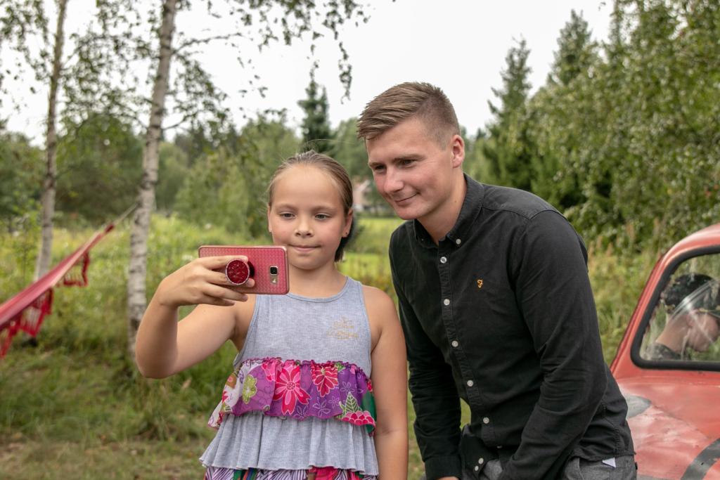 Uudo Sepp ja Andres Puusepp käisid leinatoetuslaagris lapsi üllatamas