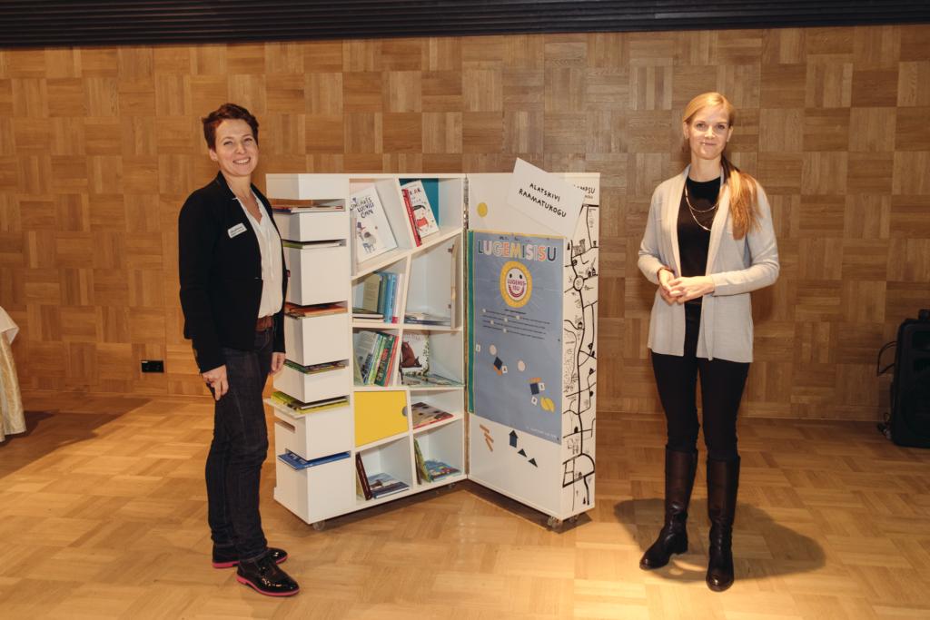 Tubli tegu! Heategevusfond Aitan Lapsi kinkis 26 raamatukogule eksklusiivsed lugemiskeskused