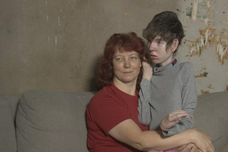 """VIDEO! """"Kodutunne"""" aitab ema ja sügava puudega last"""