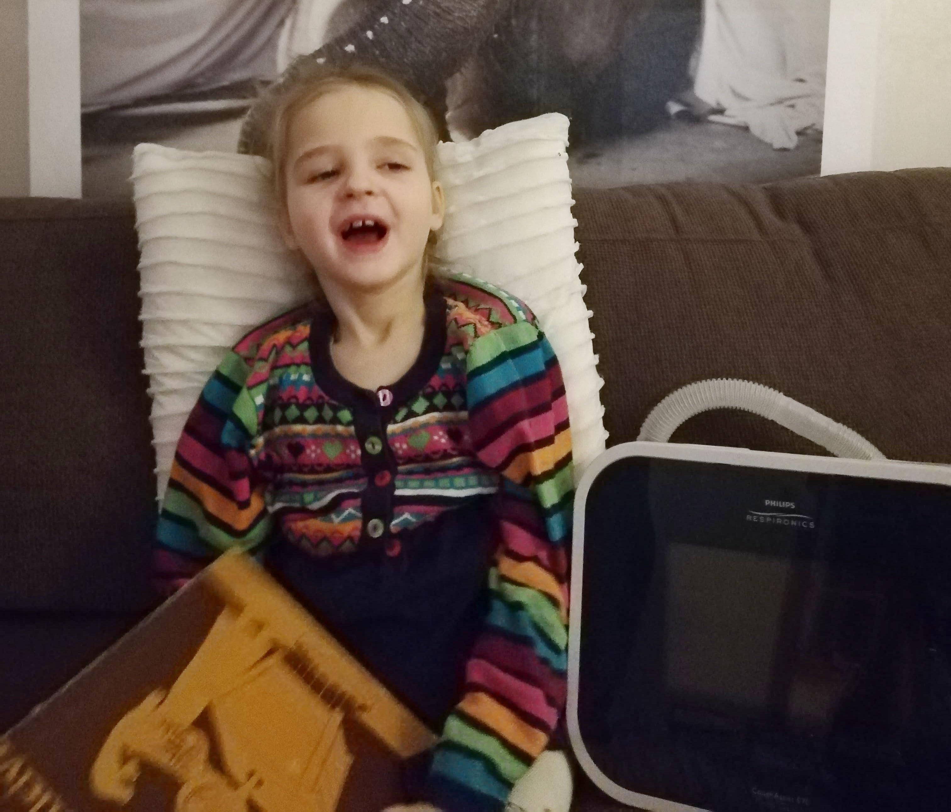Vapper seitsmeaastane Elly võitles end elule tagasi ning sai tänu heade inimeste abiga kodusele ravile